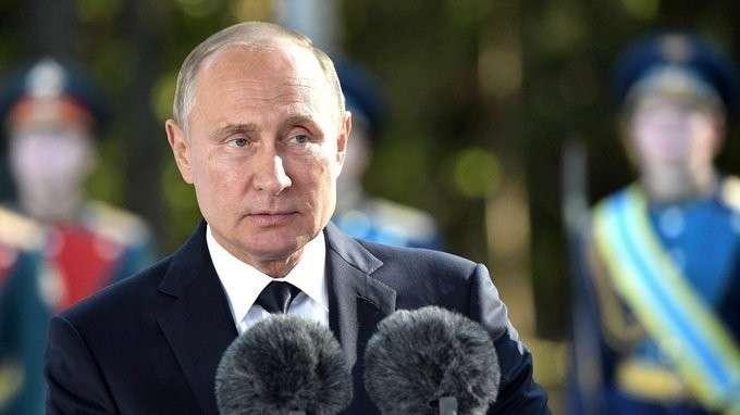 Владимир Путин посетил военно-патриотический парк «Патриот»