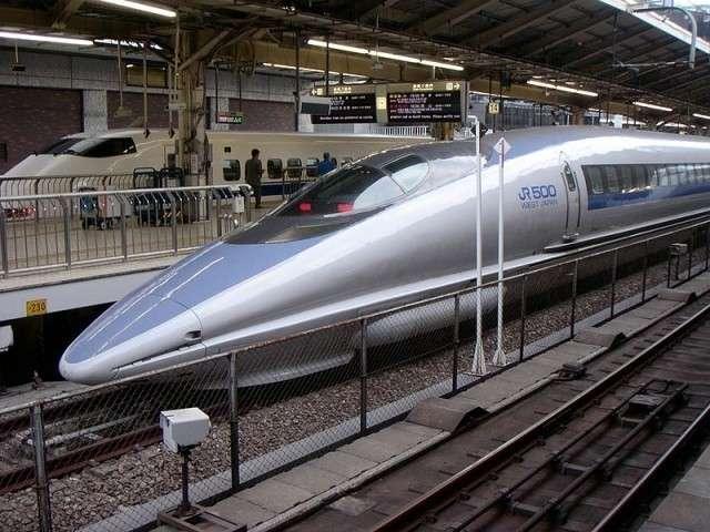 Станция ВСМ в Токио, Япония