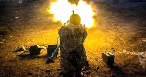 Сводка о ситуации на Донбассе: каратели ведут хаотичный огонь и подрываются на минах