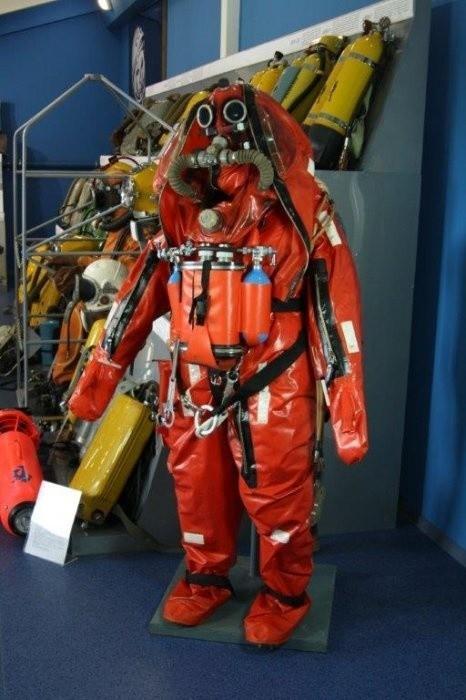 Снаряжение для спасания подводников с глубин до 200 метров представила компания «КАМПО»
