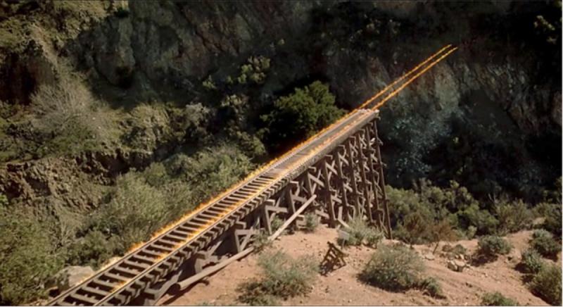 В США поезд рухнул в реку из-за обрушения деревянного моста. Мировой лидер говорите?