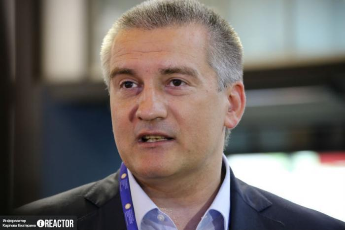 Глава Крыма Сергей Аксенов посочувствовал экипажам двух украинских «ржавых корыт»