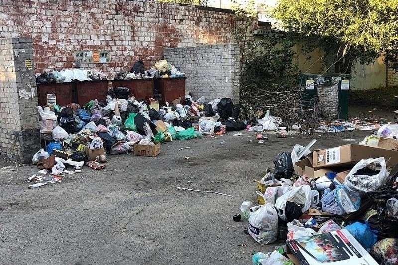 В Челябинске мусорный коллапс, объявлен режим чрезвычайной ситуации
