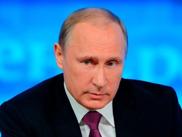 Владимир Путин уволил трех губернаторов в течение часа после скандала на выборах