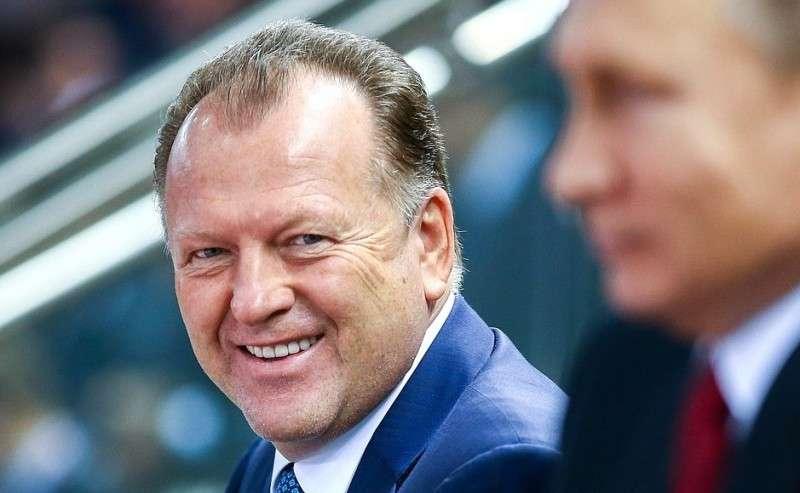 Спрезидентом Международной федерации дзюдо Мариусом Визером.