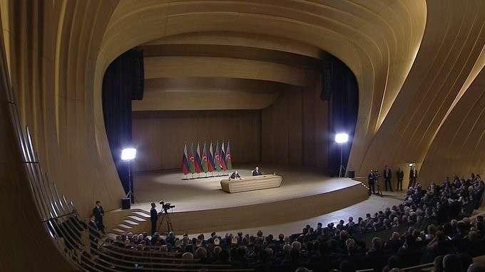 Владимир Путин и Ильхам Алиев выступили на Российско-азербайджанском форуме
