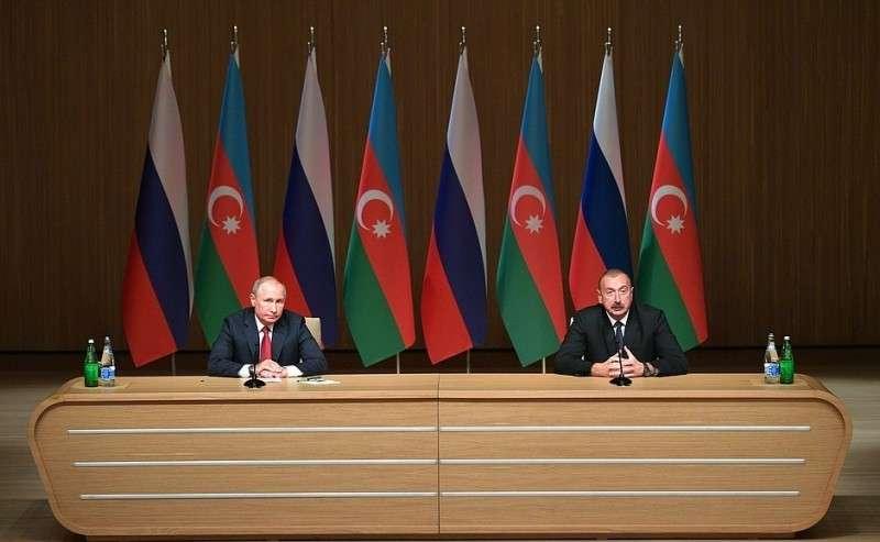 СПрезидентом Азербайджана Ильхамом Алиевым наДевятом российско-азербайджанском межрегиональном форуме.