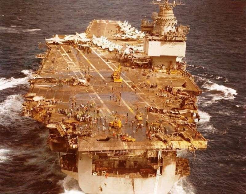 Авианосный флот США пришёл в упадок и деградация продолжается