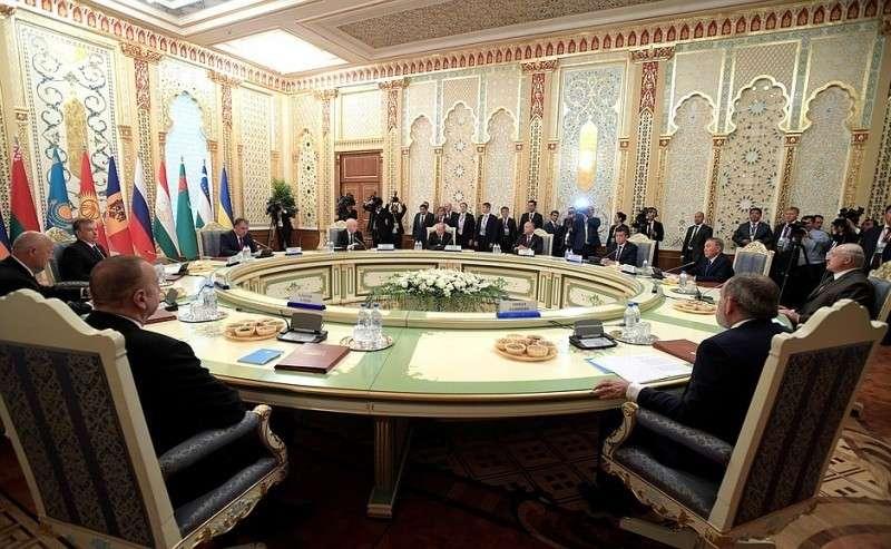 Заседание Совета глав государств– участников Содружества Независимых Государств вузком составе.