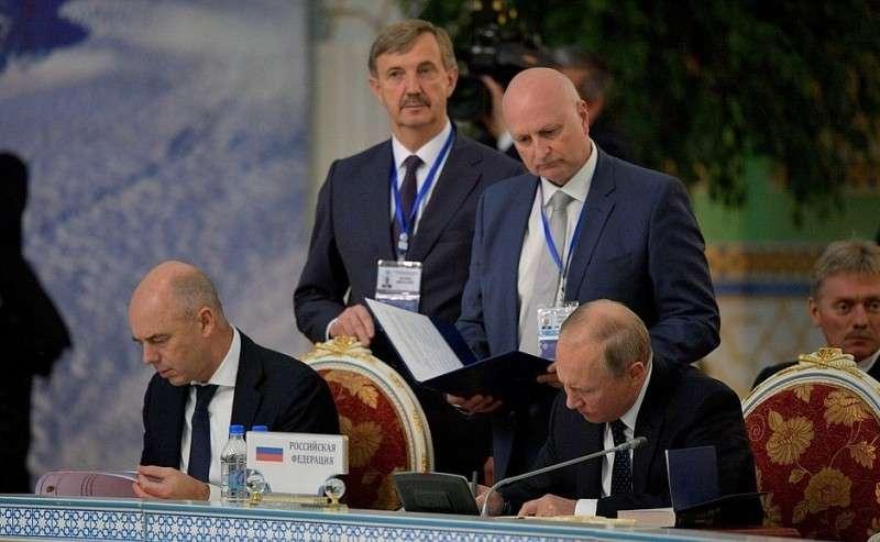 Подписание документов поитогам заседания Совета глав государств СНГ.