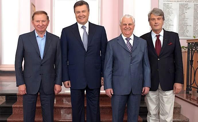 Корабль «Украина», затопляемый еврейской хунтой, покидают старые крысы украинской политики
