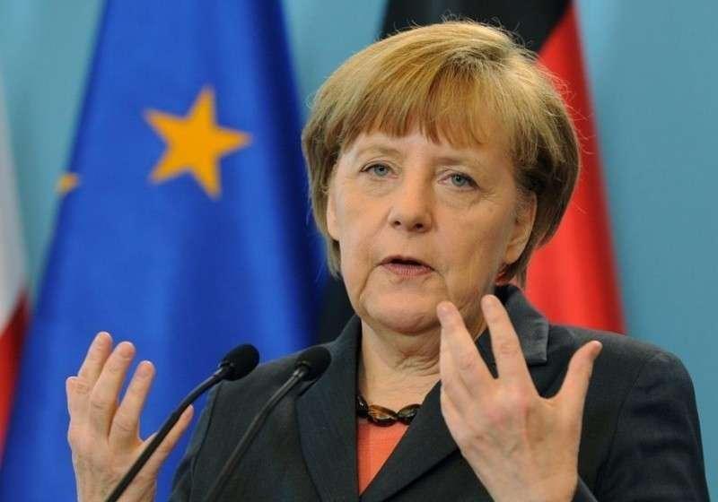Меркель выступила за создание Совета безопасности ЕС во главе с Германией и Францией