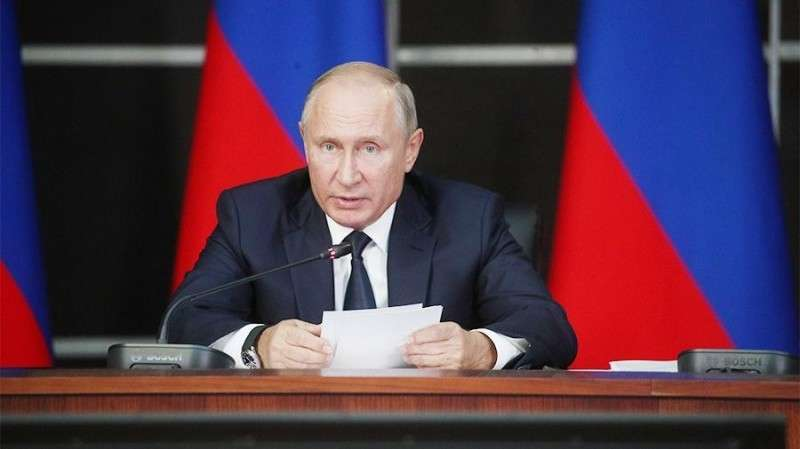 Владимир Путин потребовал окончательно решить проблему обманутых дольщиков