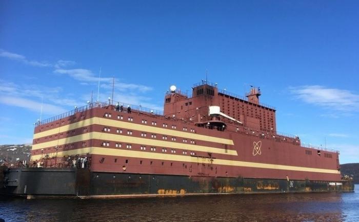 Наплавучем атомном энергоблоке «Академик Ломоносов» завершена загрузка ядерного топлива