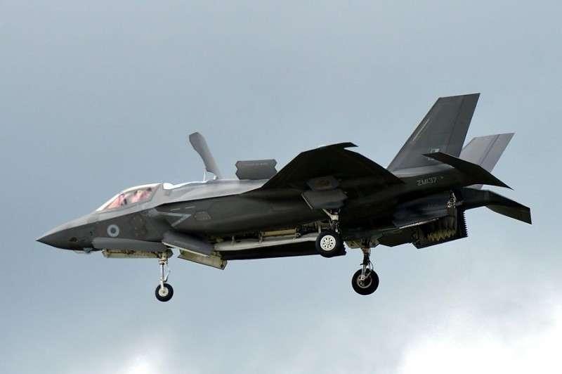 В США уже заговорили о необходимости модернизации новейшего чудо-истребителя F-35