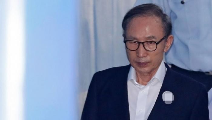 Президента Южной Кореи приговорили к 15 годам за коррупцию