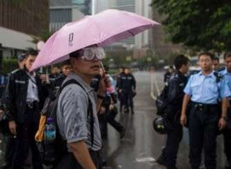 В Гонконге затухает майдан: сработали доброе слово и угроза слезоточивым газом