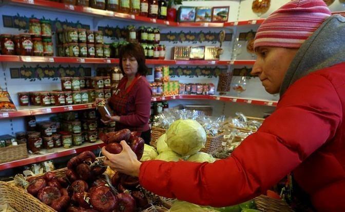 Крымский мост построен, а цены на продукты не упали. Почему?