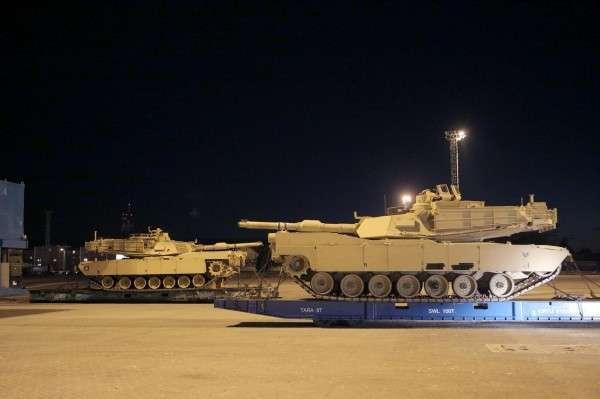 Американские танки расположились в тысяче километров от Москвы