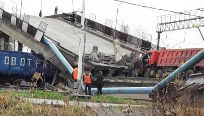 Дальний Восток. Мост рухнул на товарный состав