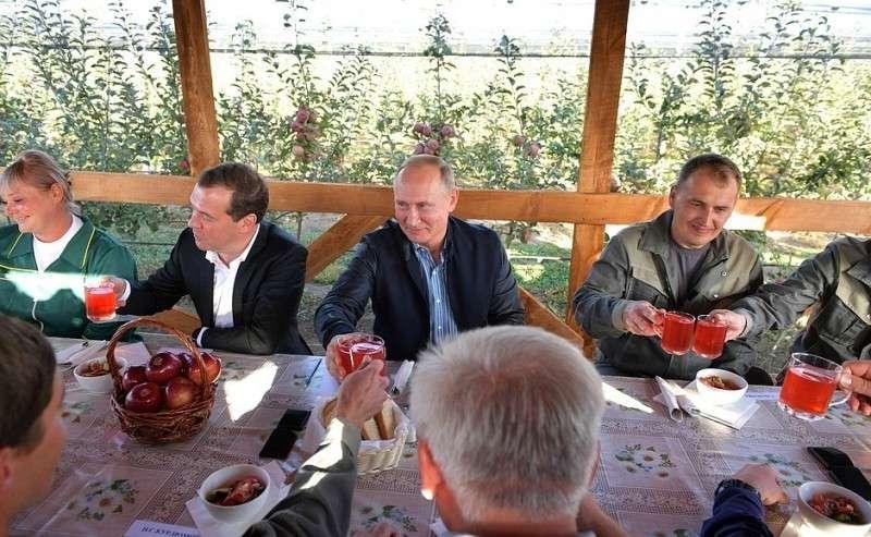 Навстрече сработниками сельскохозяйственного предприятия «Рассвет».