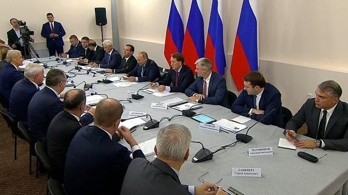 Владимир Путин провёл совещание по вопросам развития сельского хозяйства России