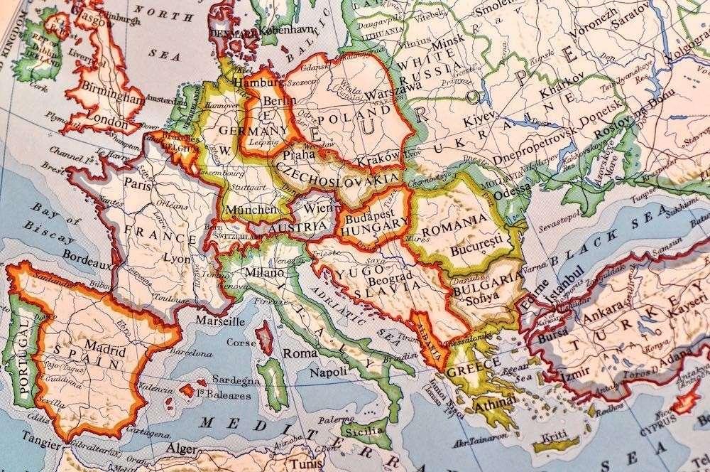 Венгрия и ЕС упрекнули друг друга в чрезмерной любви к России