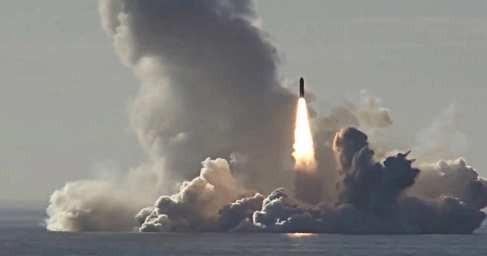 По поручению Владимира Путина стратегические ядерные силы России провели масштабные учения