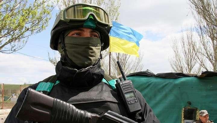 Украинские вояки попали зенитной ракетой по территории школы города Лисичанска