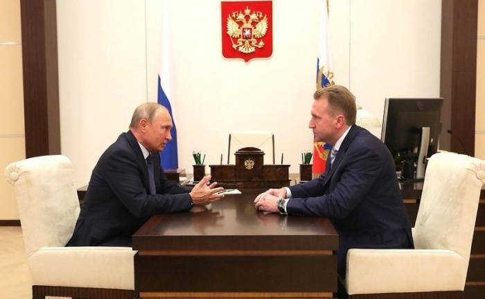 Владимир Путин встретился с председателем Внешэкономбанка Игорем Шуваловым