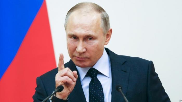 Денис Кокорин, на которого работники пожаловались Путину, осужден на два года