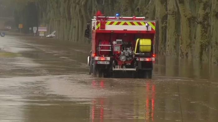 Во Франции сильнейшее за 130 лет наводнение унесло жизни как минимум 13 человек