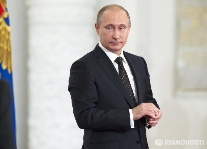 Путин наградил чиновников Пака и Гайсина, ранее избитых футболистами Кокориным и Мамаевым