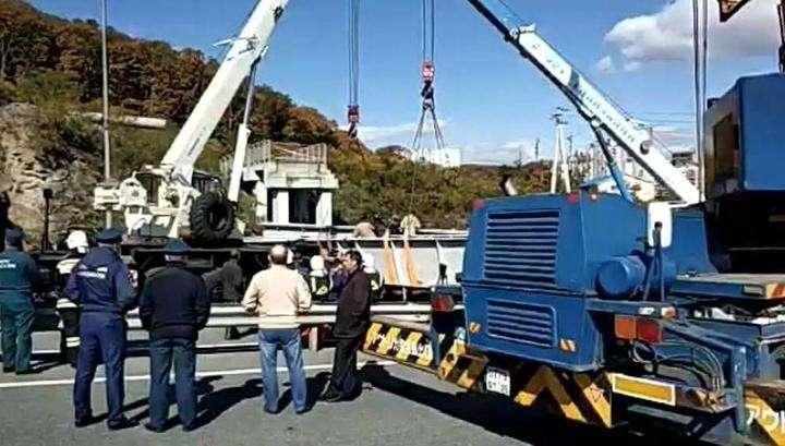 Обрушение виадука во Владивостоке. 4 крана ликвидирую аварию