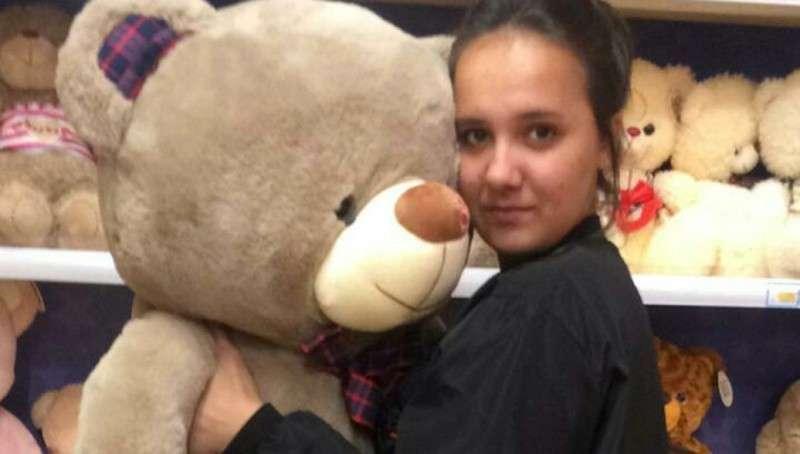 Школьница Карина Парышева полезла в самое пекло и вытащила из огня детей