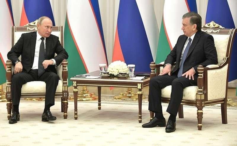 СПрезидентом Узбекистана Шавкатом Мирзиёевым.