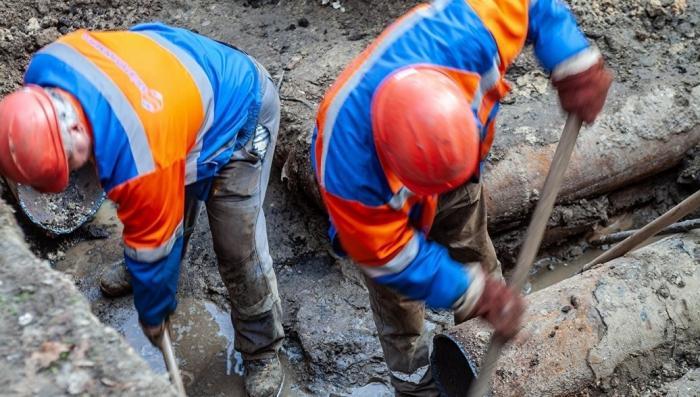 В Киеве прорвало 300 труб после подачи горячей воды