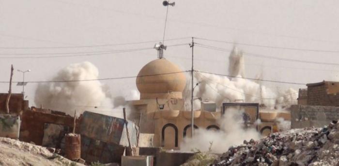 США в Сирии взорвали мечеть и убили десятки мирных жителей