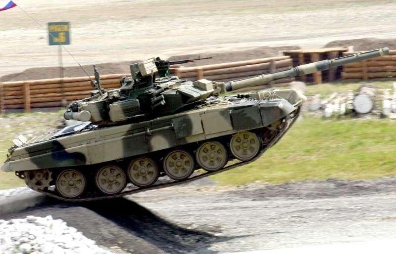 Как новейшие танки Т-90 проходят подводные испытания на Уралвагонзаводе