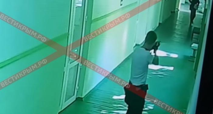 Видео расстрела в керченском колледже ставит новые вопросы (18+)