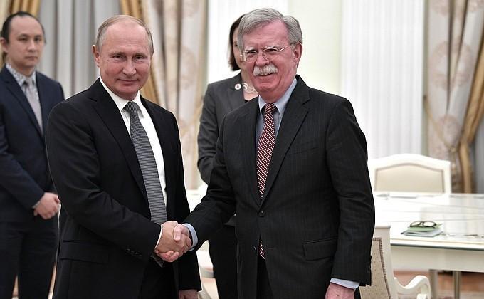 Владимир Путин принял помощника Президента США по национальной безопасности Джона Болтона