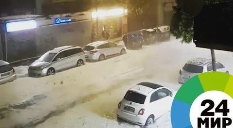 Испания и Италия пострадали от аномальных ливней, снега и града