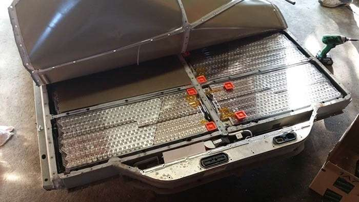 Вскрытие аккумулятора Tesla Model S