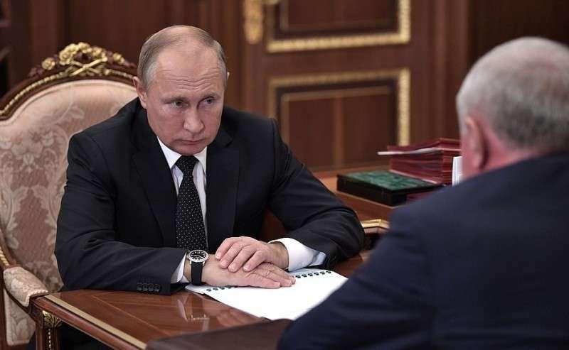 Навстрече сруководителем Федеральной таможенной службы Владимиром Булавиным.