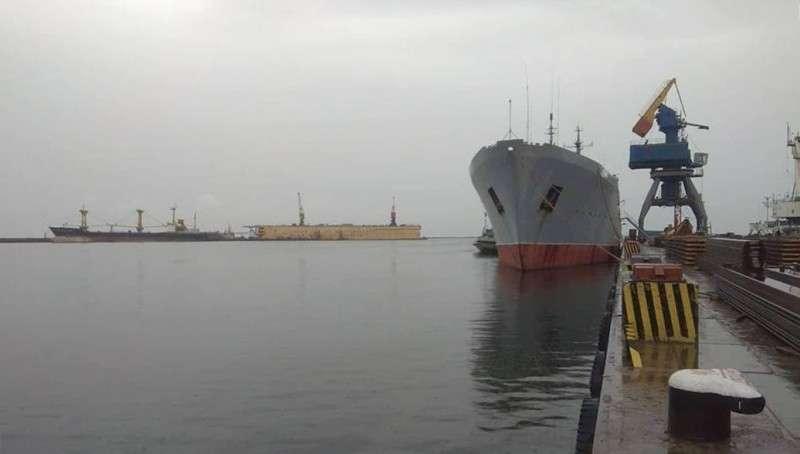 Азовское море. У Украины миллиард гривен убытков, зато Вальцмана похлопали по плечу