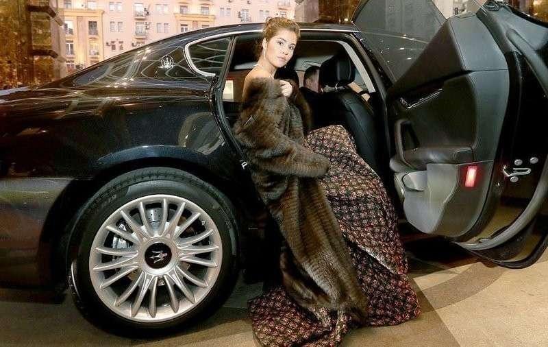 Татлер – конкурс дорогущих платьев с чем-то там внутри