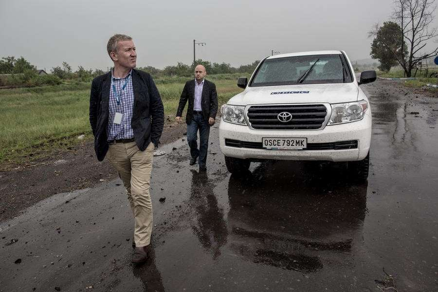 На Украине начинает работу миссия по делимитации границы между силовиками и ополченцами