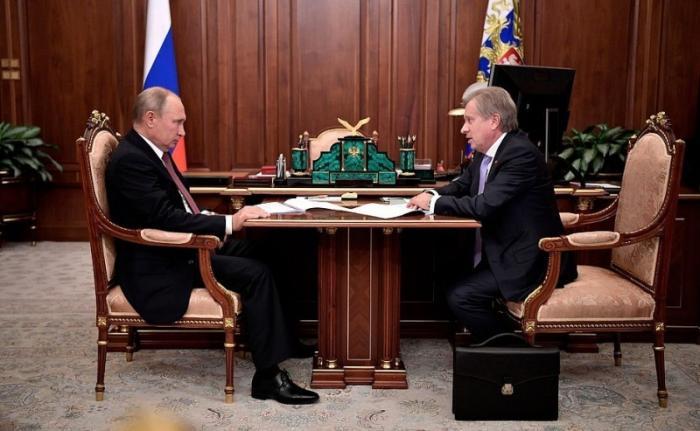 Встреча Владимира Путина сглавой компании «Аэрофлот» Виталием Савельевым