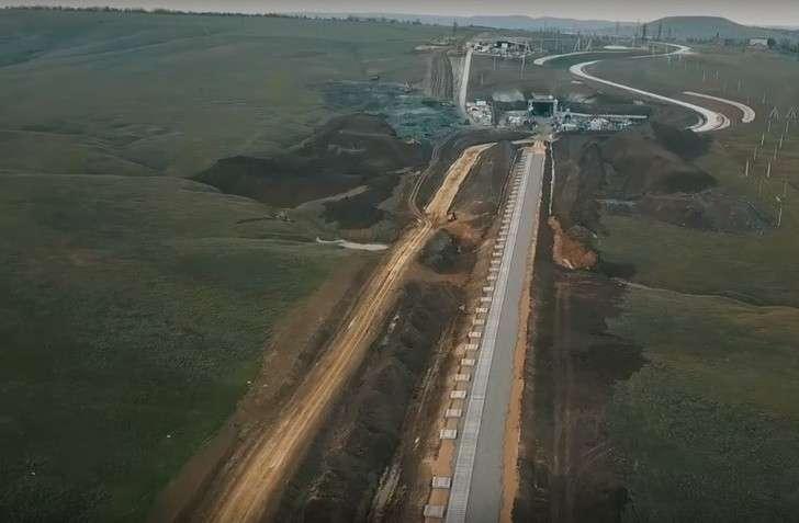 Строительство железнодорожного подхода кКрымскому мосту вКерчи