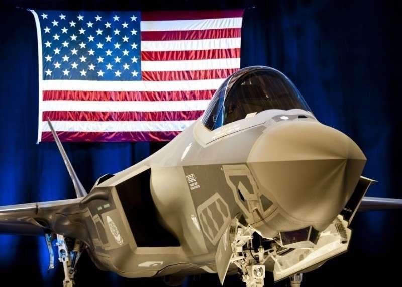 Американский F-35 – истребитель, состоящий из одних недостатков
